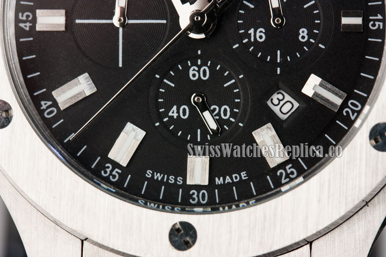 replica chronograph sub-dial with wrong markings